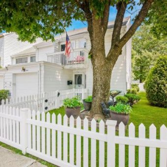 4 Bedroom Dream Home on a Corner Lot in Staten Island New York Awaits You