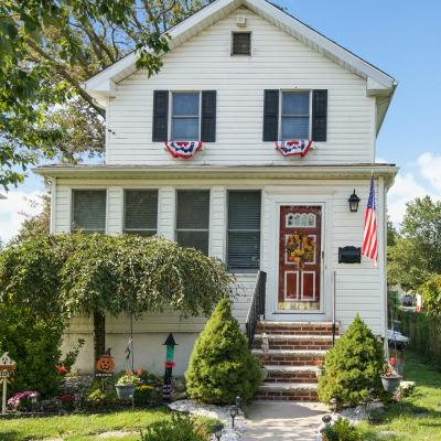 House for sale in the Heart Of Great Kills Staten Island New York