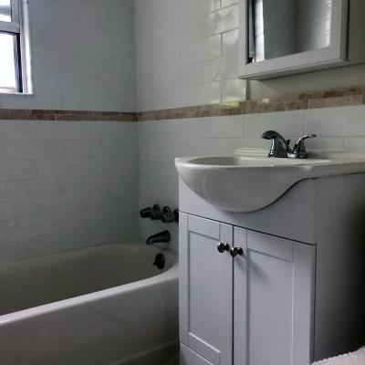 Bathroom of Light & Bright 1 Bedroom Co-Op Apartment for sale in Great Kills Staten Island New York