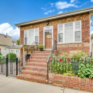 Fabulous House for Sale in South Beach, Staten Island, New York