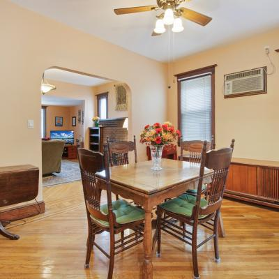 Handsome ''American Foursquare'' Colonial for sale -- Staten Island, New York