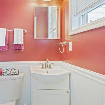 Bathroom of Handsome ''American Foursquare'' Colonial for sale -- Staten Island, New York
